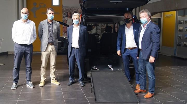 Presentación del descuento exclusivo de Renault para los taxistas de Galicia