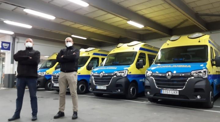 Caeiro Centro Empesas entrega cuatro ambulancias a empresas del sector sanitario
