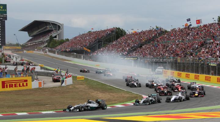 Ven a la Formula 1 con Renault Caeiro